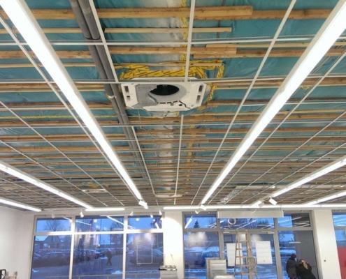 Einbau einer Klimaanlage, Be- und Entlüftungsanlage sowie eines Türluftschleier